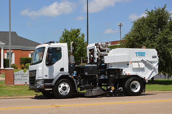 600 environment1 model 600 regenerative air street sweeper manufacturer texas tymco 600 wiring diagram at virtualis.co