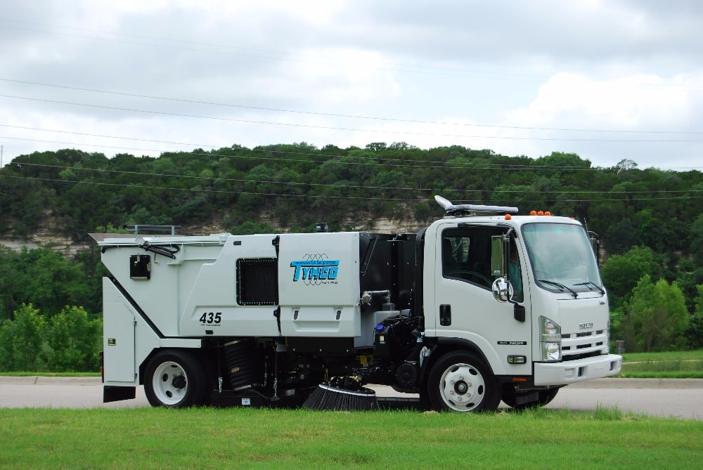 Model 435 Mid-Sized Street Sweepers | Manufacturer | Texas